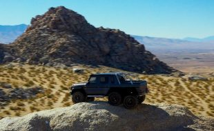 Hammer Down With The Traxxas TRX-6 Mercedes-Benz G 63 AMG 6×6 [VIDEO]