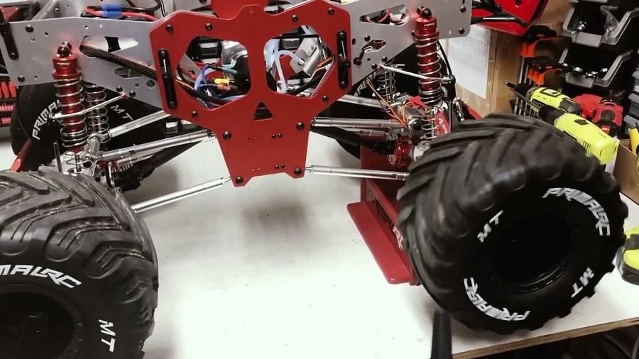 Raminator Monster Truck - Brushless System Installation Overview