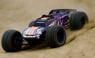 Full-Throttle Dirt Track Adventure With The Traxxas E-Revo [VIDEO]